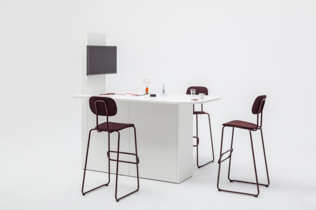 Table haute et design avec écran