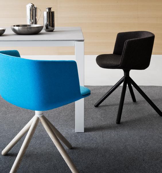 Chaise design pivotante