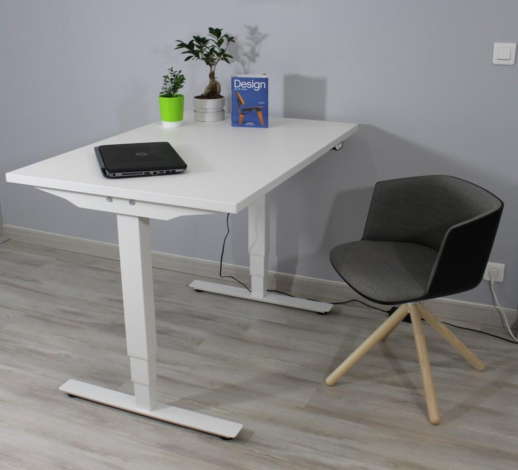 bureau assis debout en utilisation