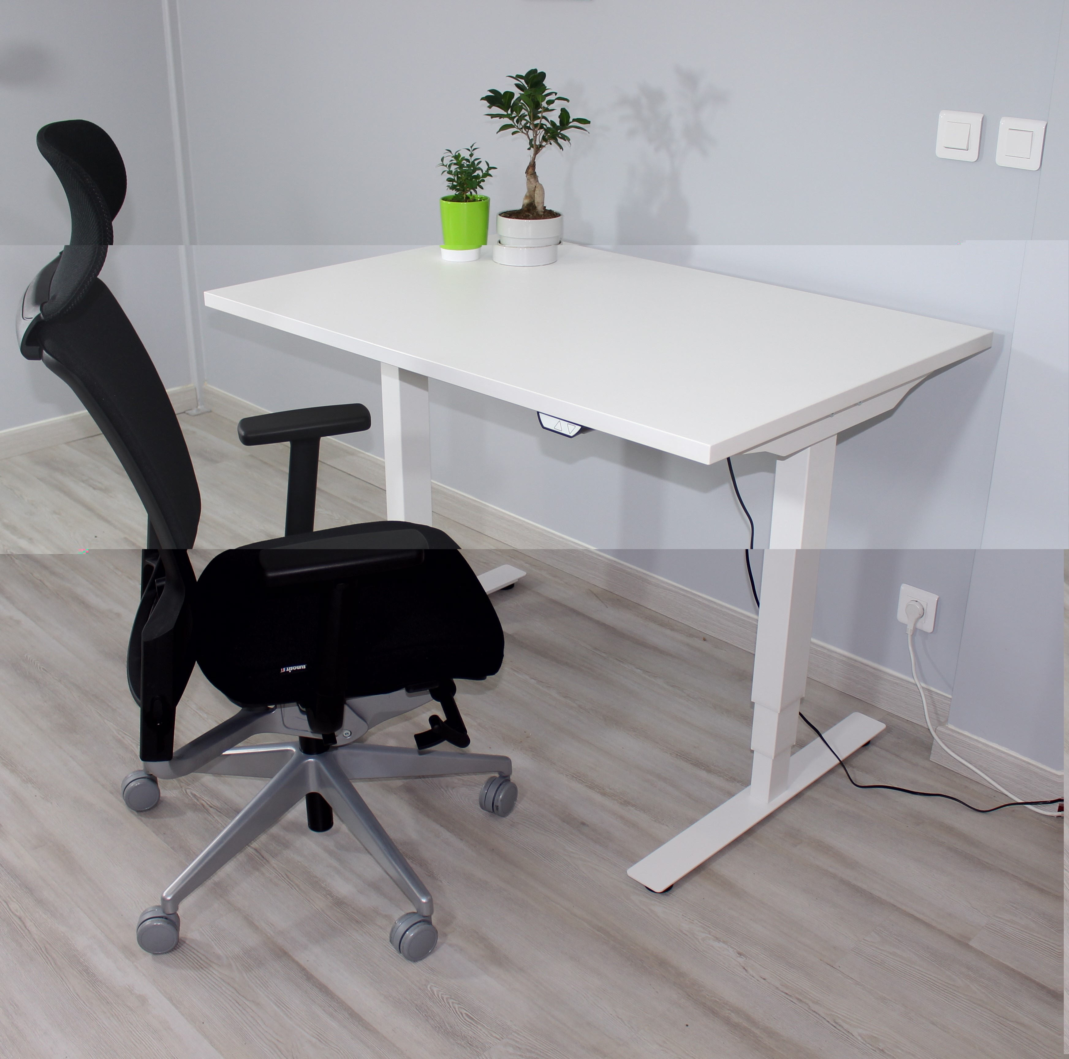 bureau ergonomique rglable en hauteur lectriquement