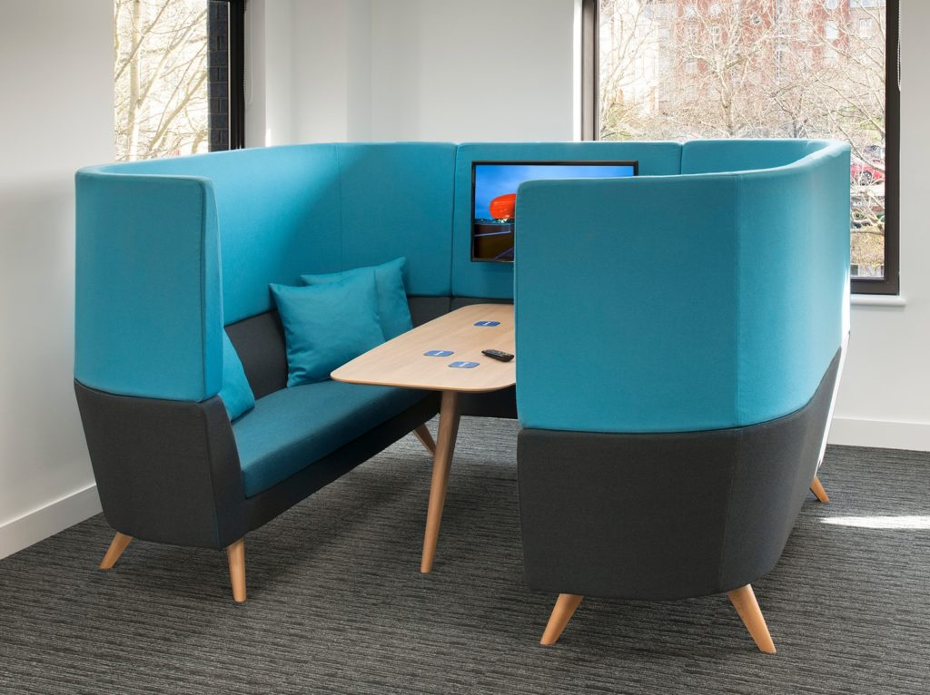 Box de travail en coworking design scandinave
