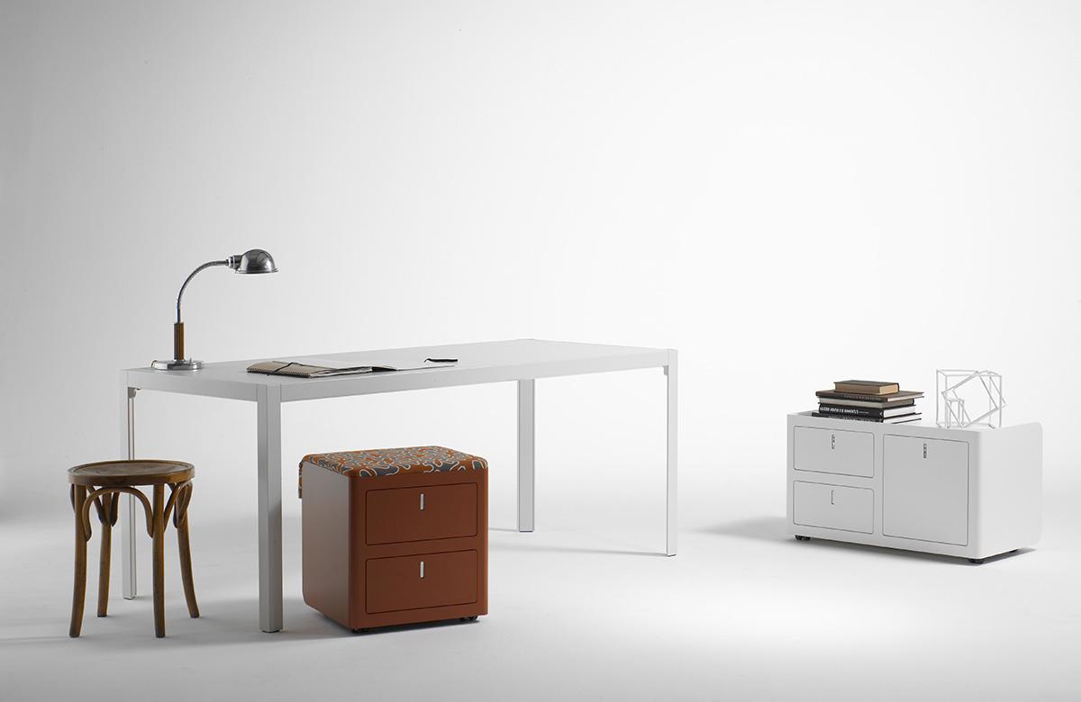 caisson de bureau color design vintage. Black Bedroom Furniture Sets. Home Design Ideas