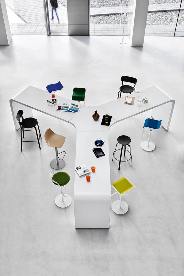 Table en étoile pour espace de coworking