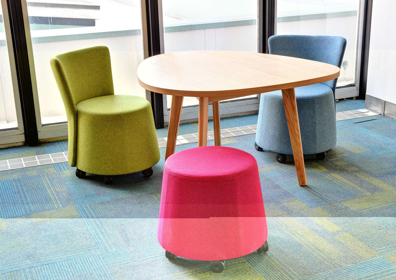fauteuil de r union contemporain roulettes. Black Bedroom Furniture Sets. Home Design Ideas