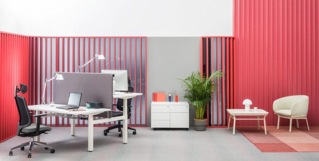 bureau ergonomique r glable en hauteur pour espace de. Black Bedroom Furniture Sets. Home Design Ideas