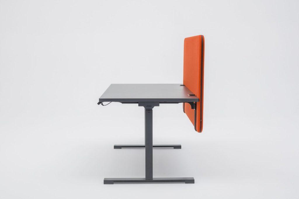 Bureau assis debout avec cloisonnette acoustique