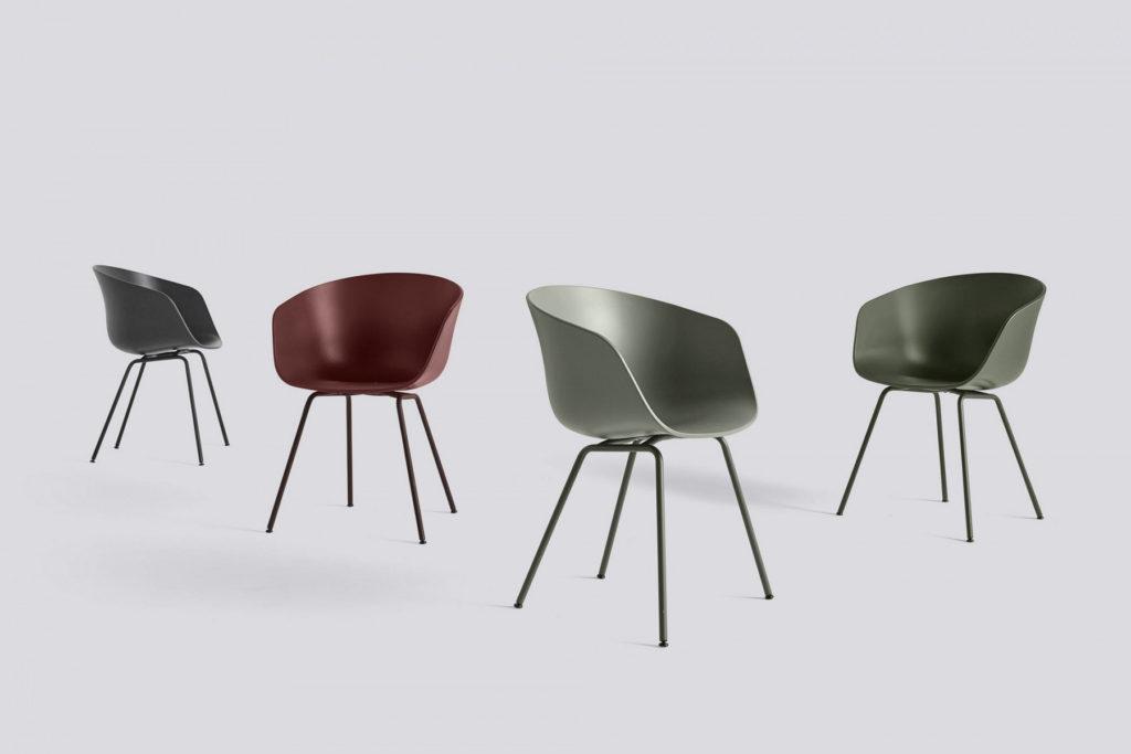 Chaise de réunion design ACE avec piétement métal