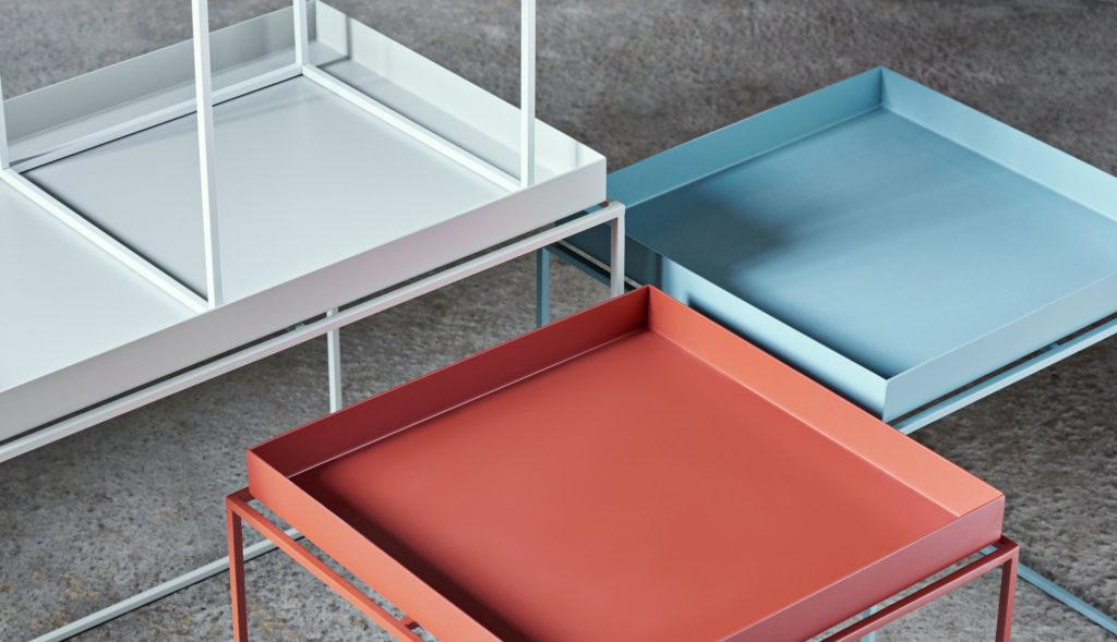 Table basse carrée en acier