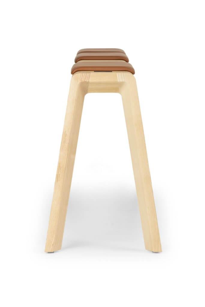 Banc design en bois pour table haute