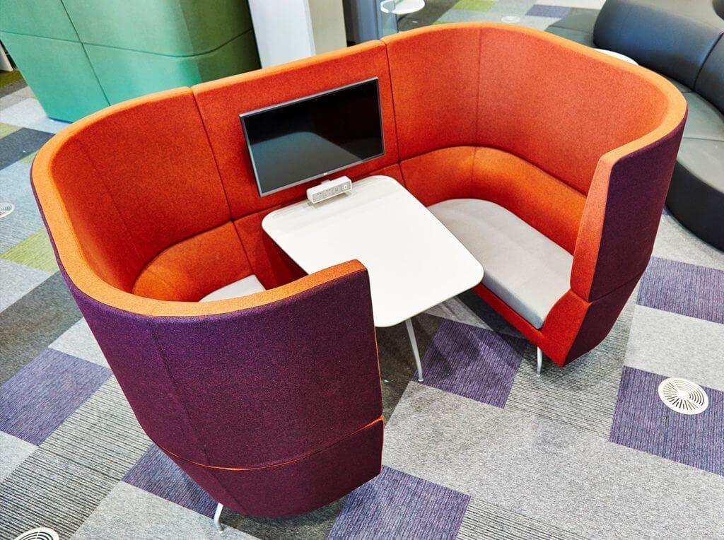Mobilier de coworking acoustique pour réunion