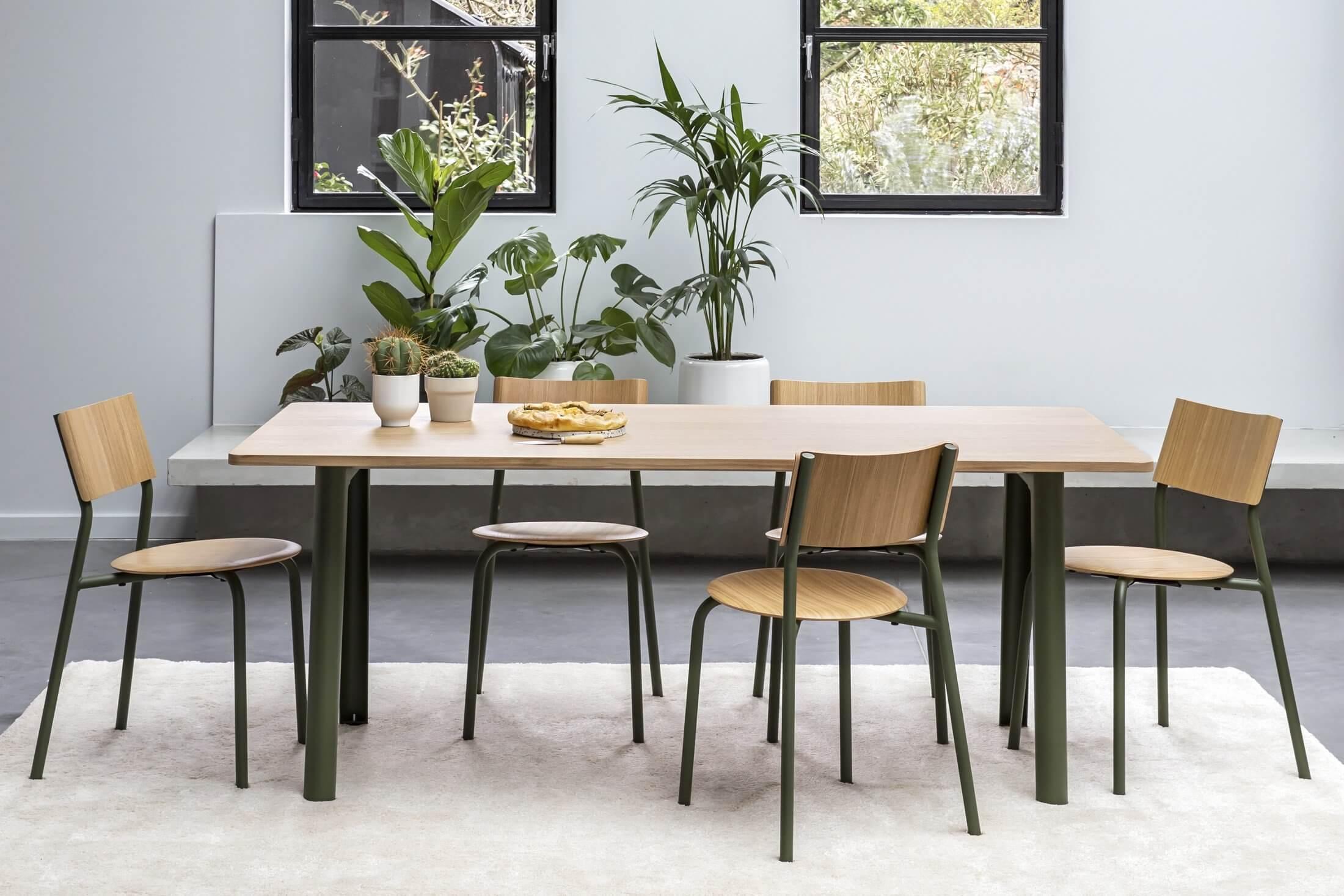 Bureau bench design avec plateau bois, fabriqué en France.