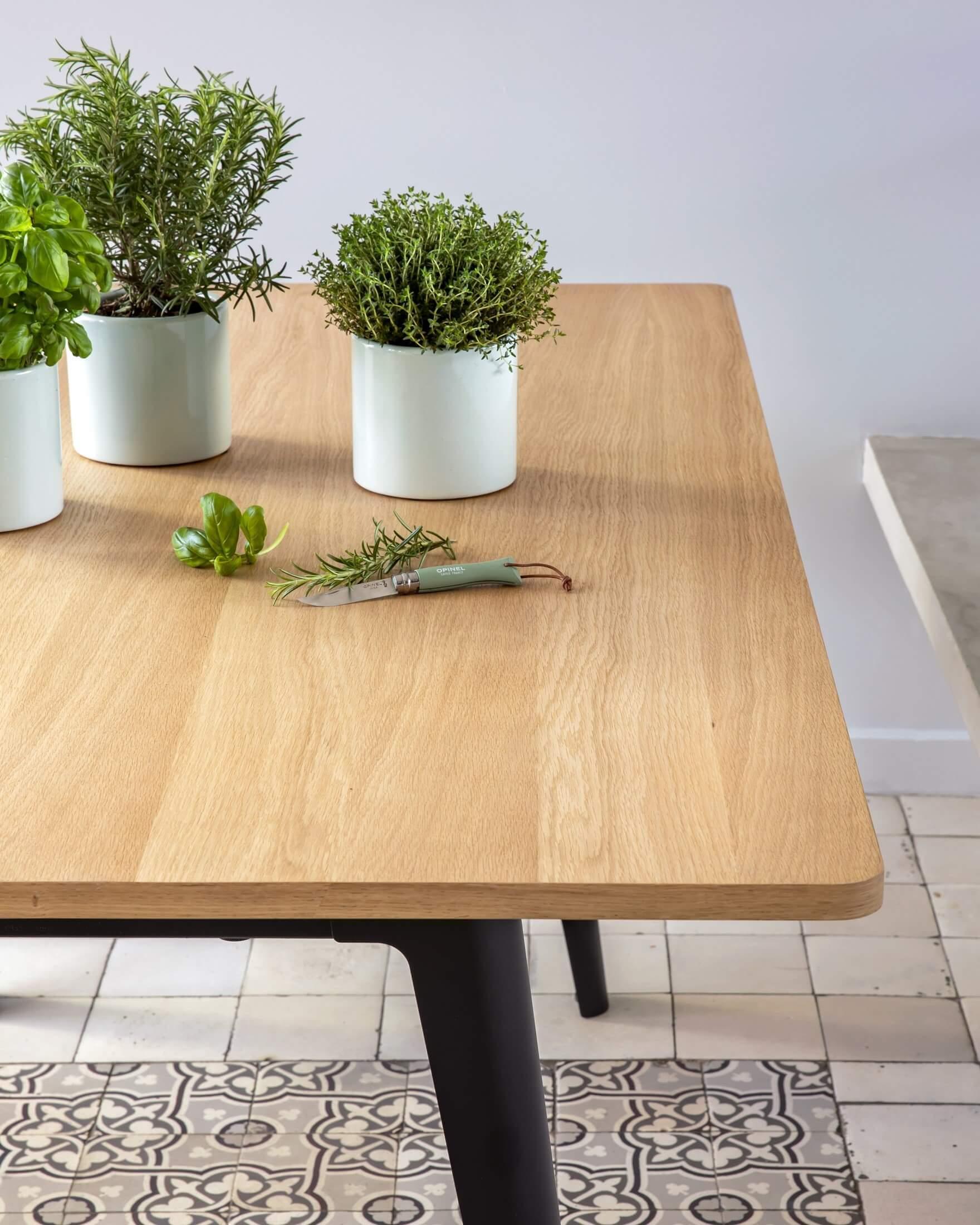 Bureau bench avec plateau en bois de chêne.