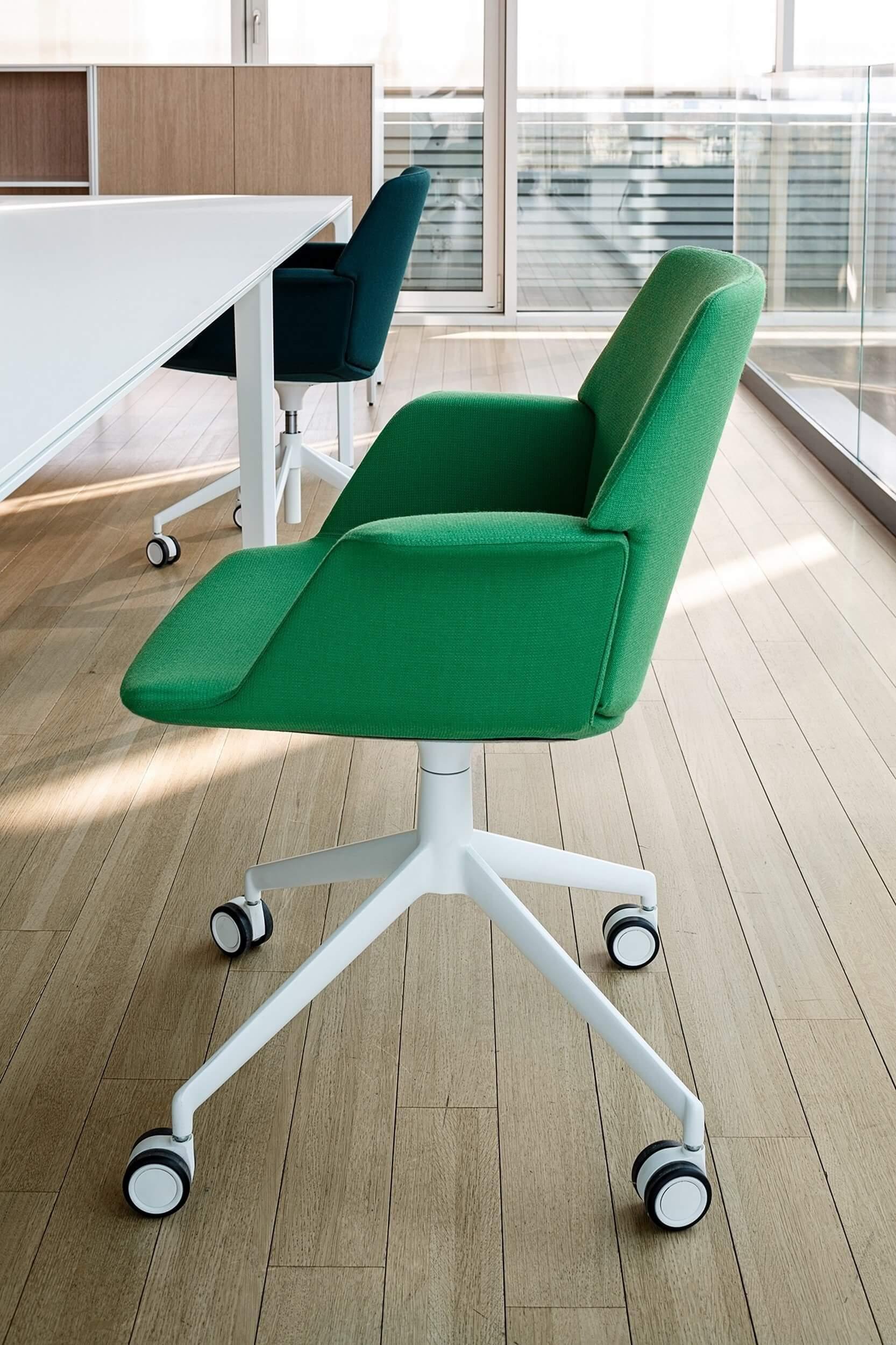 Chaise de bureau moderne UNO.