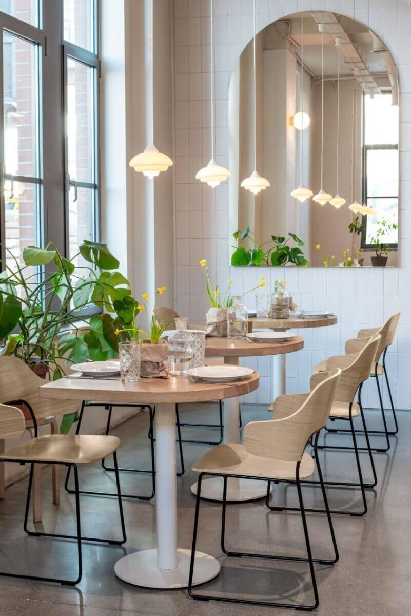 Chaise de restaurant pour les professionnels FEEL.
