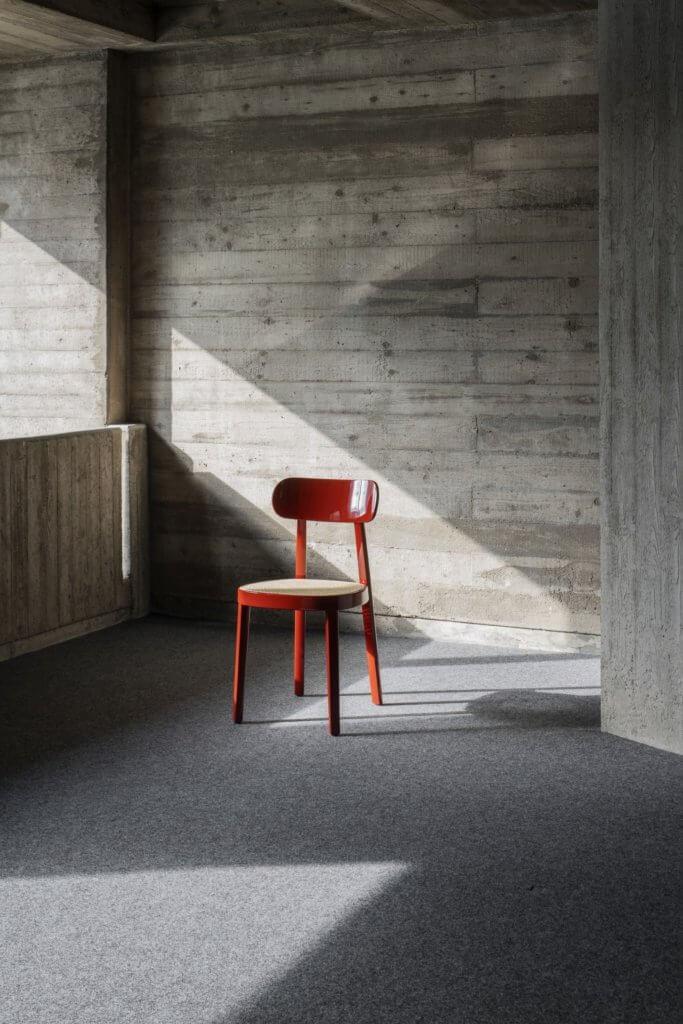 Chaise 118 du designer Sebastian Herkner