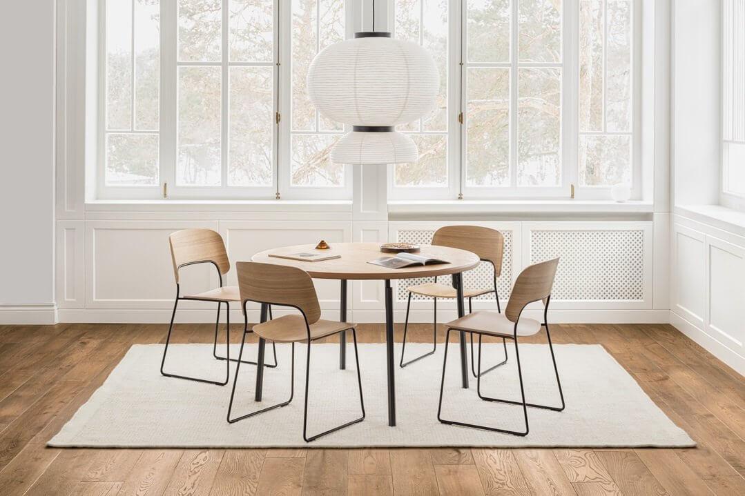 Chaise de restaurant design en bois pour les pro.