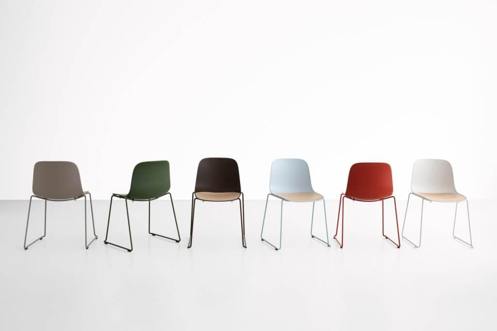 Chaise coque design pour usage extérieur SEELA