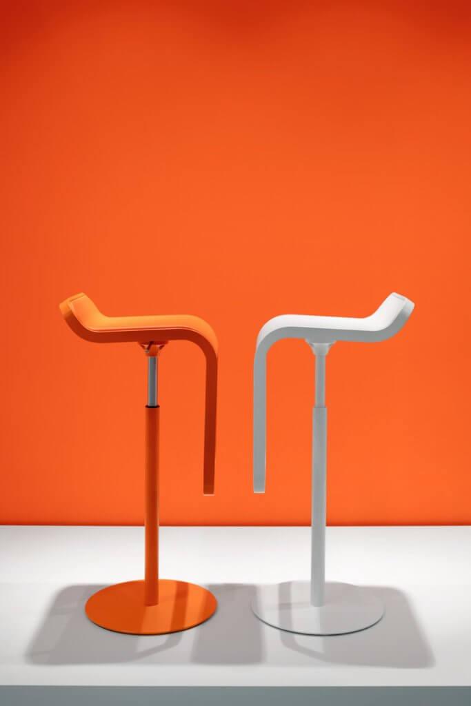 Chaise haute pivotante LEM pour table bar