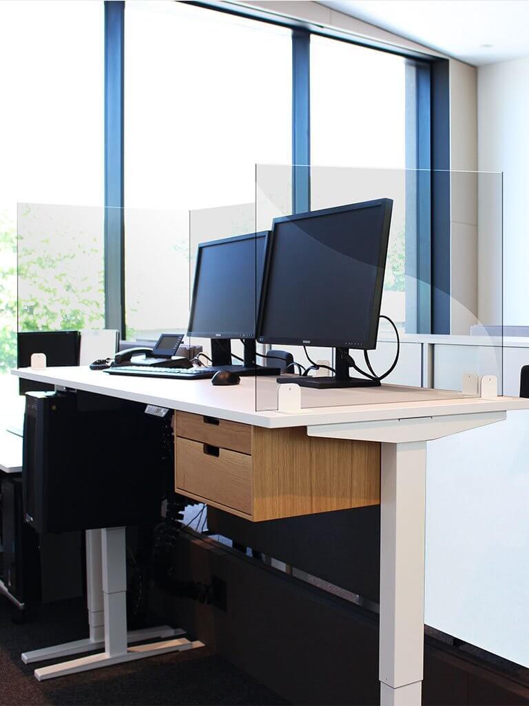Plexiglas de protection pour les bureaux