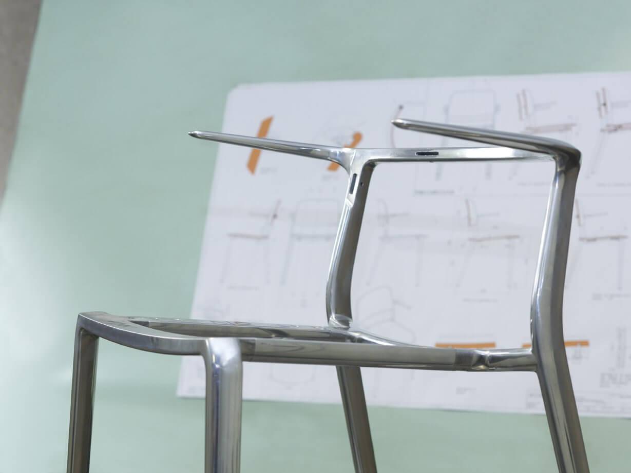 Conception d'une chaise de bureau moderne APPIA
