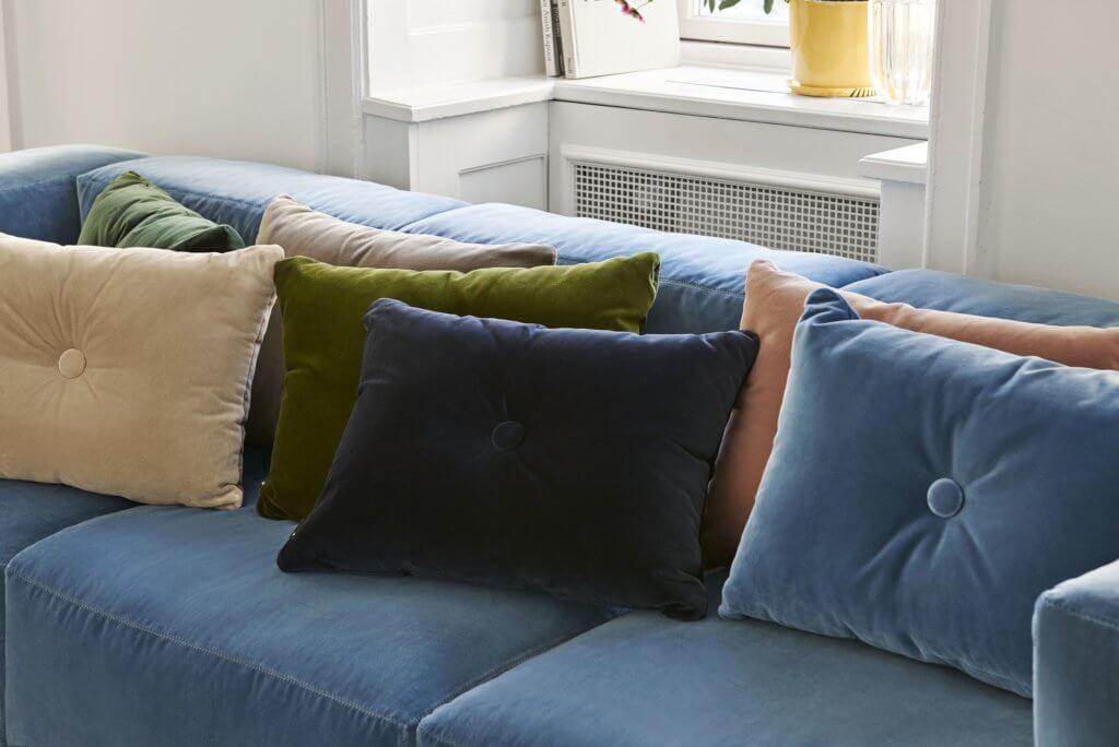 Canapé design avec coussins accordés