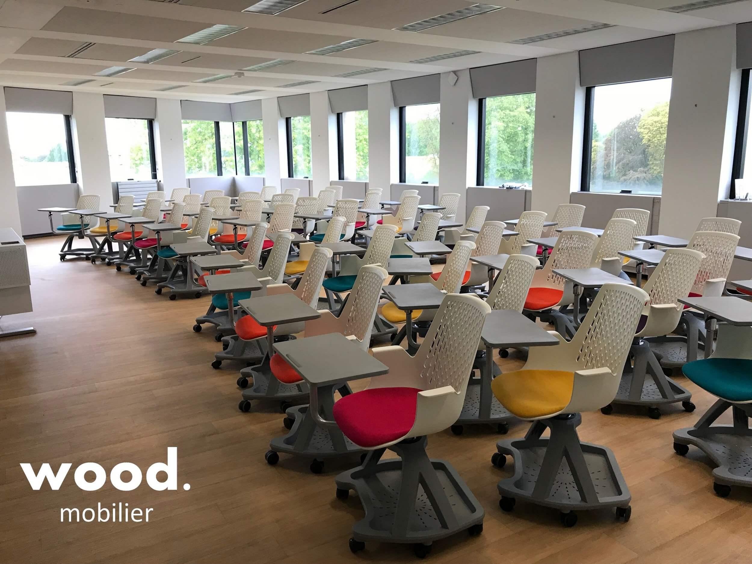 Aménagement d'une salle de classe avec des fauteuils TEACH