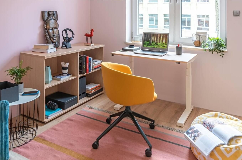 Petit bureau ergonomique pour la maison