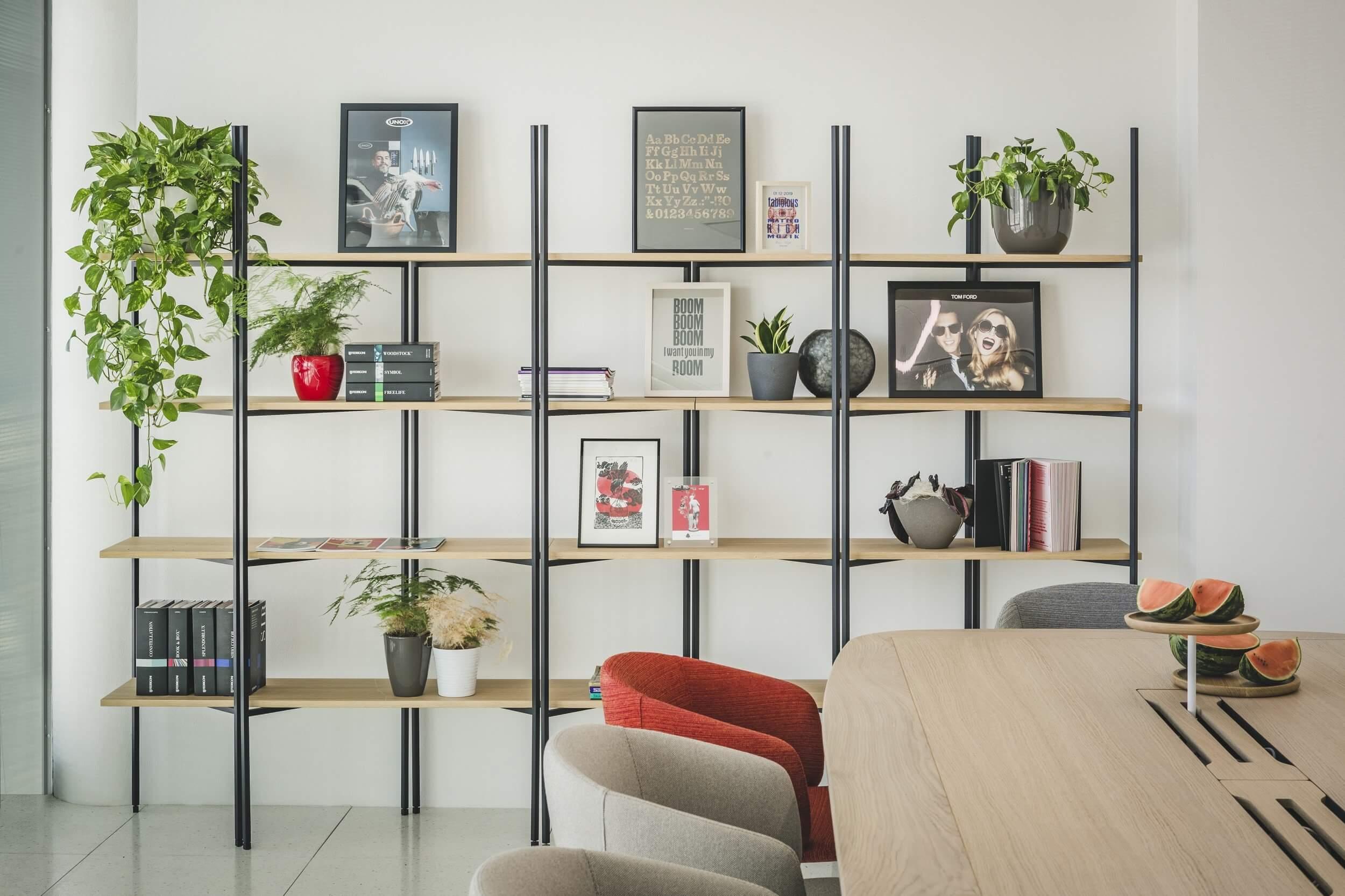 Chaise design pour salle de réunion NOT.
