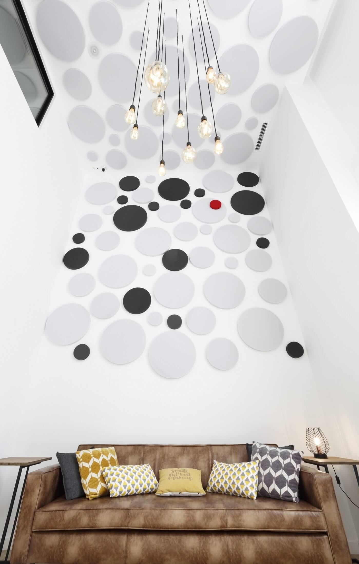 Panneau acoustique design pour les murs et le plafond.