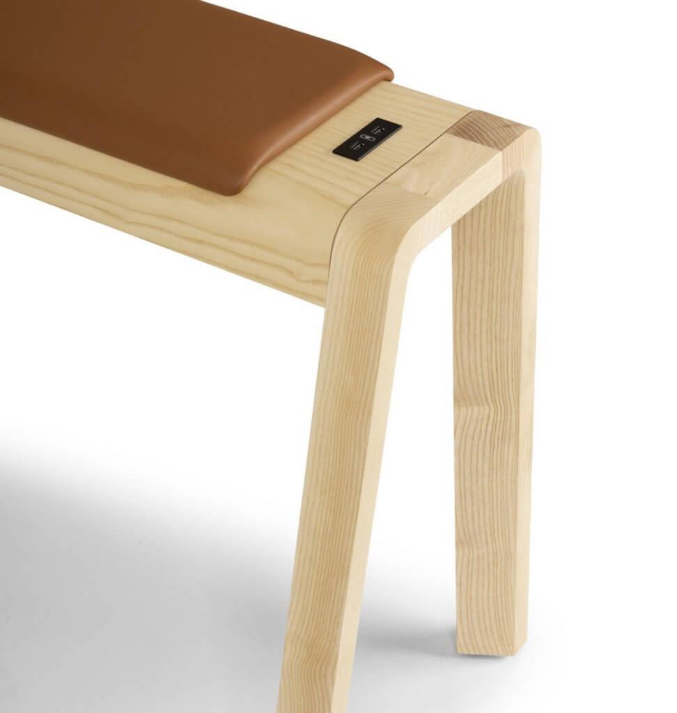 Banc en bois design pour table de réunion haute