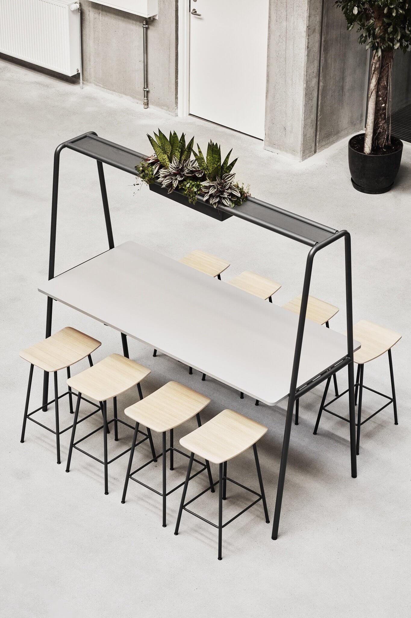Table de travail avec jardinière de plantes intégrée ARCHE.