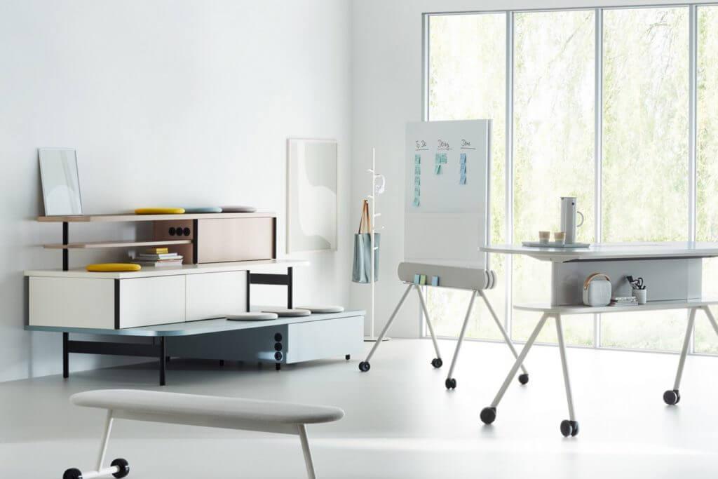 Table haute avec connectiques DEEM