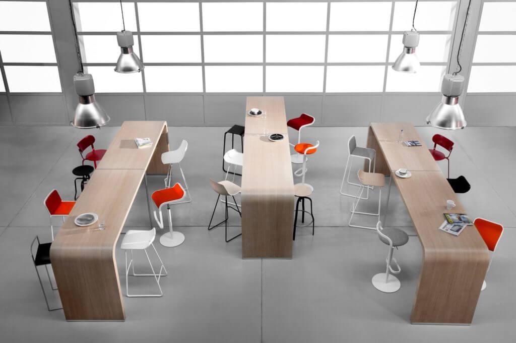 Table haute design pour réunion coworking