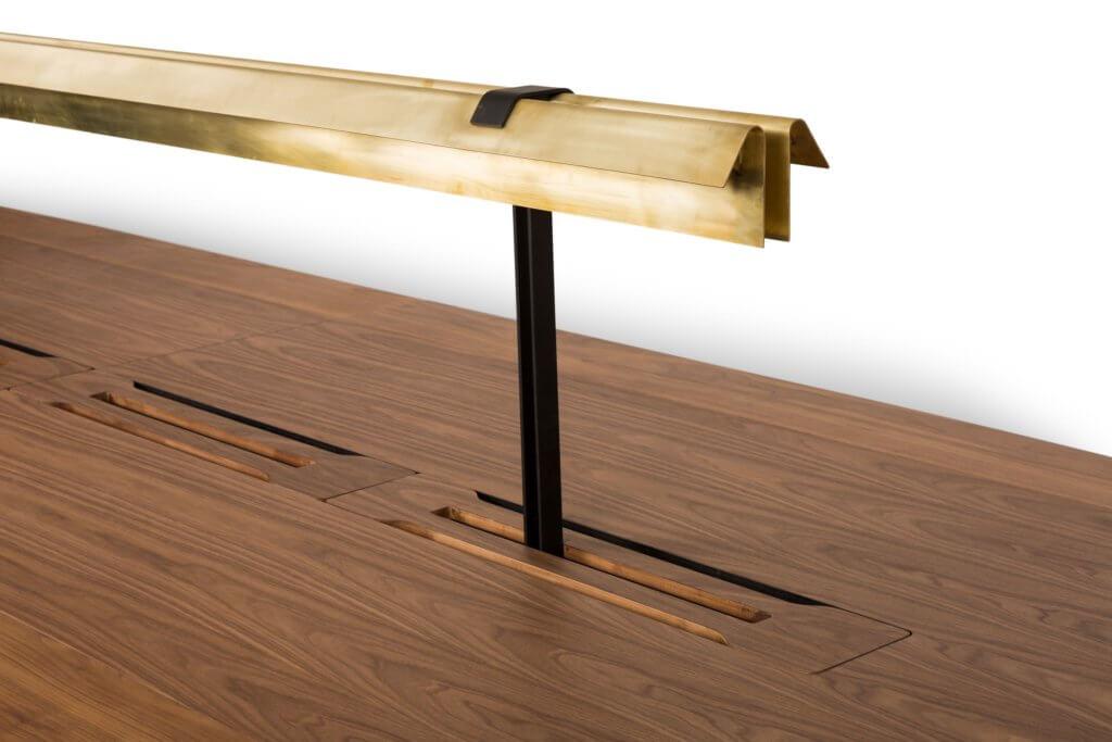 Table de réunion haut de gamme avec lampe de lecture