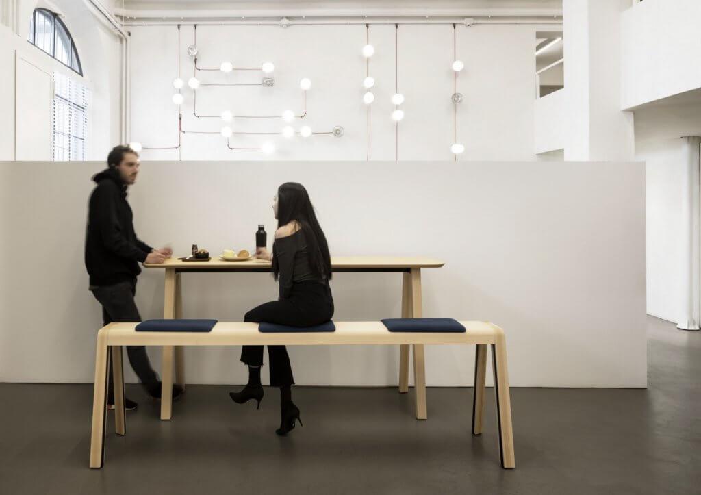 Table en bois hauteur bar ECHO