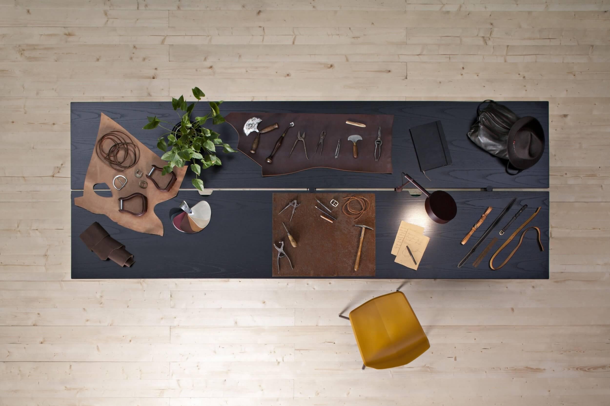 Table de réunion noire design