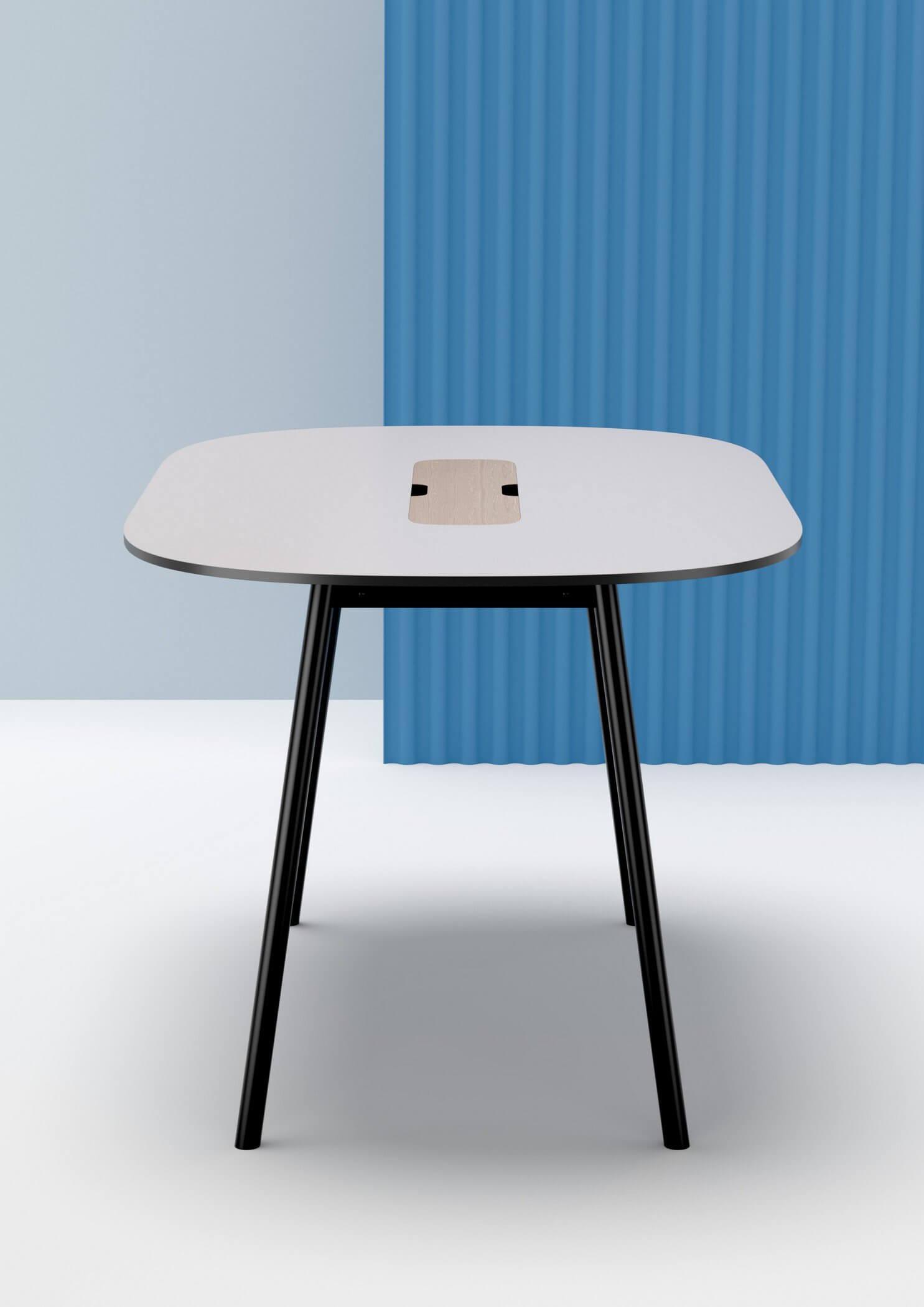 Table de réunion ovale design PULLY avec trappe top access pour le passage de câbles.