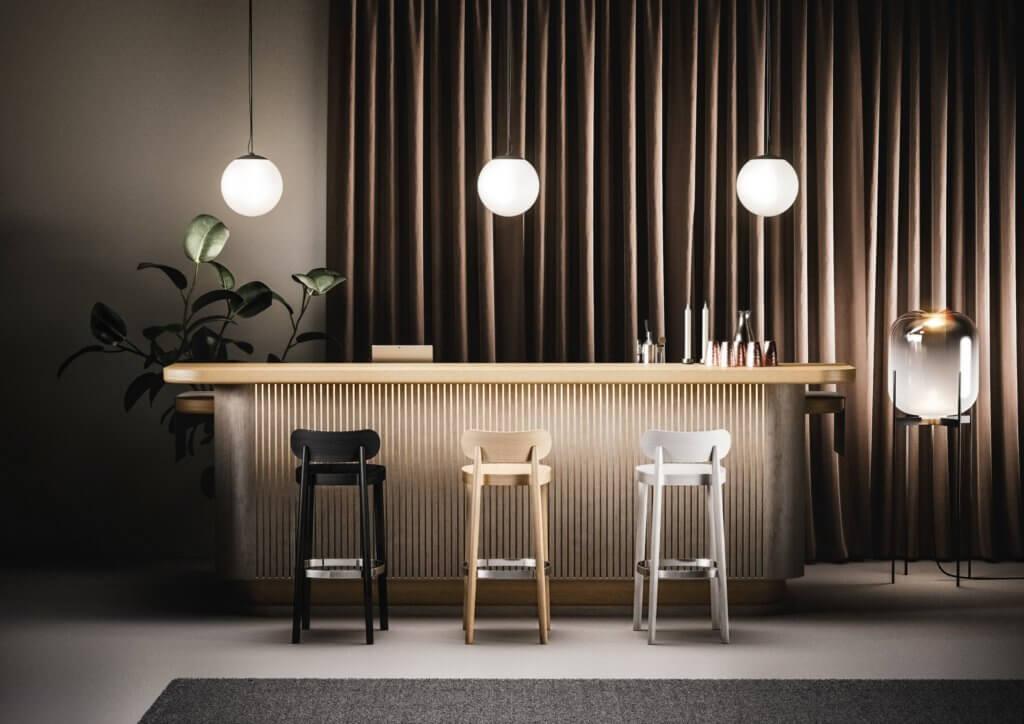 Chaise haute design pour table comptoir