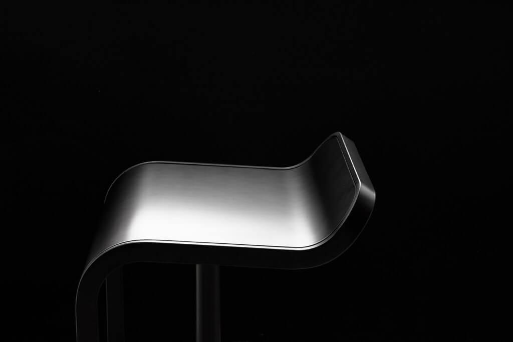 Tabouret design coloris noir