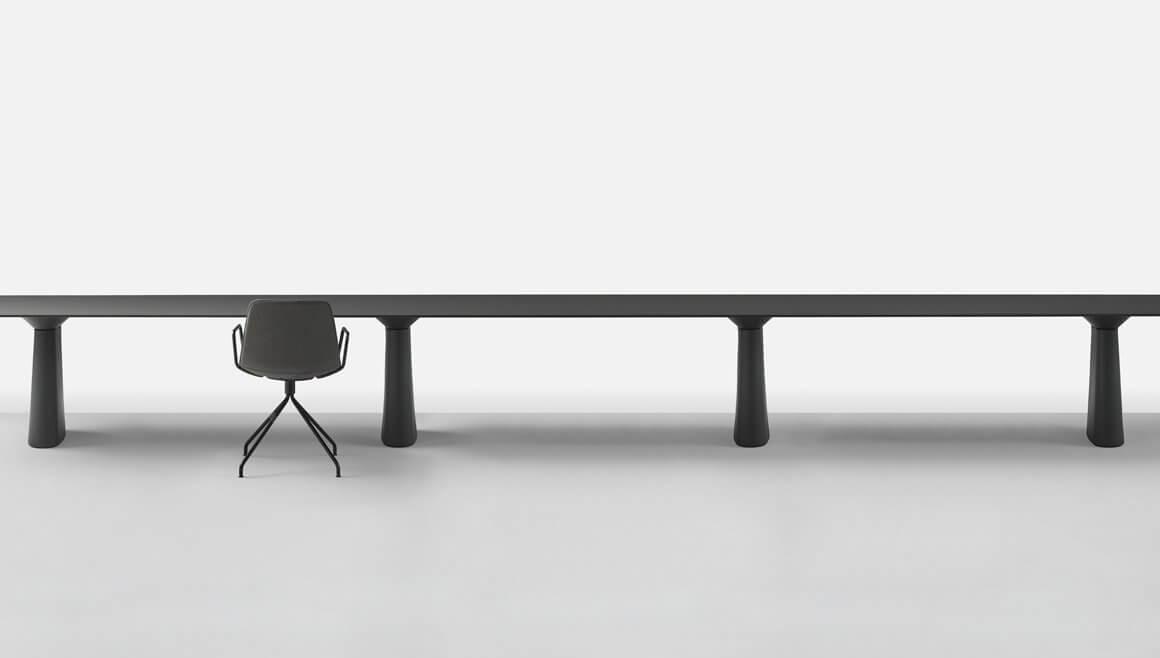 Table de réunion noire