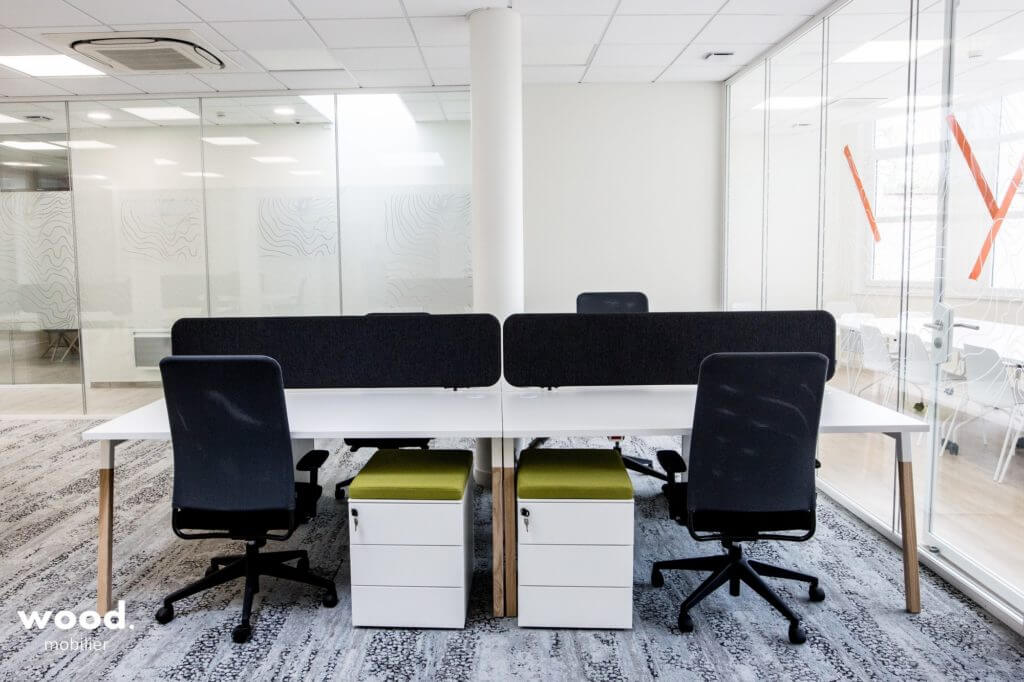 Le bureau bench WANDER installé par Wood Mobilier